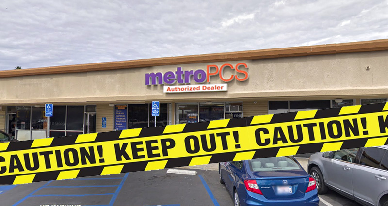 San Diego Metro PCS robbed at gunpoint, suspect at large