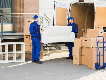 10 Ways to Avoid High Fees When Hiring a Professional Moving Company